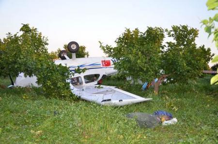 Tarsus'ta Uçak Düştü