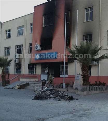 Tarsus Fahrettinpaşa İlkokulu Yakıldı (Foto Galeri)