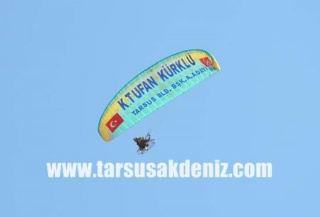Kadri Tufan Kürklü-Paraşüt