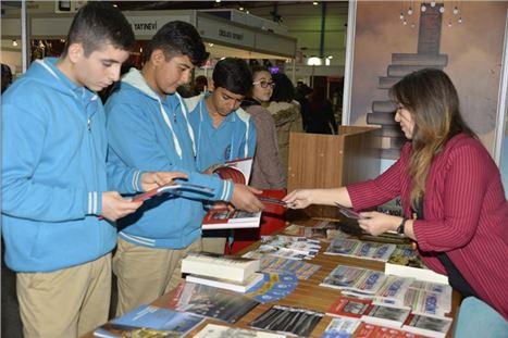 2. Mersin CNR Kitap Fuarı'nda Büyükşehir Standına Yoğun İlgi
