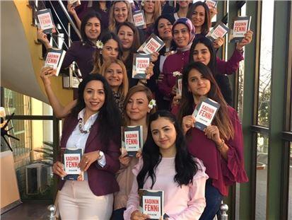 Av. Feyza Altun, Berdan Cıvata Kadın Çalışanlarına Kitabını İmzaladı