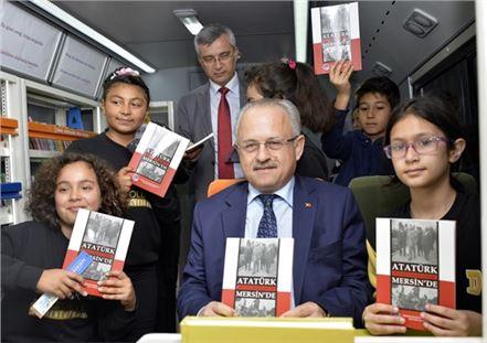 """Mersin'de """"Kütüphaneler Bilginin Evidir"""" Çalışması"""