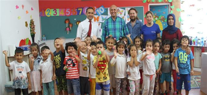 Mehmet Kalaycı, okulları tek tek geziyor