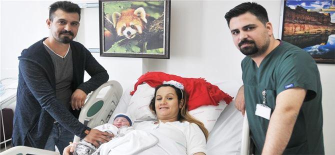 10 Kasım 9'u 5 geçe doğdu  adı 'Poyraz Ata' oldu