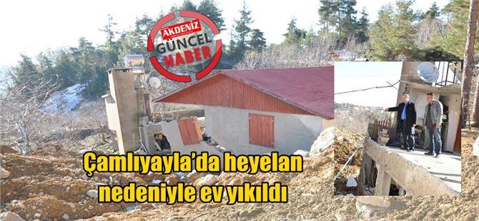 Çamlıyayla'da heyelan nedeniyle ev yıkıldı