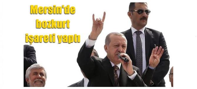 Cumhurbaşkanı Erdoğan, Mersin'de bozkurt işareti yaptı