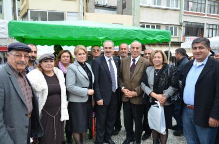 Tarsus CHP'den aşure dağıtımı