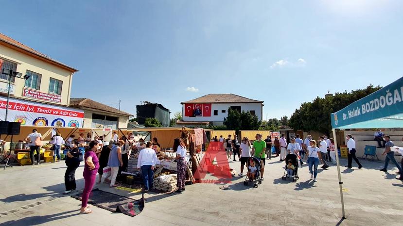 Dünyanın 70. Türkiye'nin 4. Yeryüzü Pazarı, Tarsus'ta düzenlenen törenle hizmete açıldı