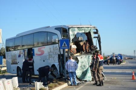 Otobüs-Kamyon Trafik Kazası