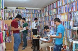 Kelepir Kitabevi, İhtiyaç Sahiplerine Bedava Hazırlık Kitabı Dağıtıyor