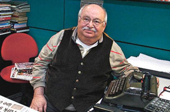 Duayen gazeteci yaşamını yitirdi