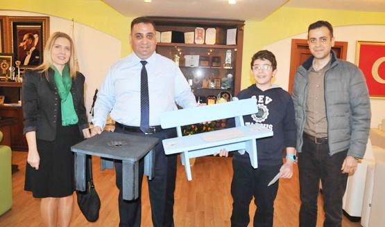 """Başkan Can'dan Tarsus SEV Ortaokulu'nun """"Çöpe Çöple Çözüm"""" Projesine Destek"""