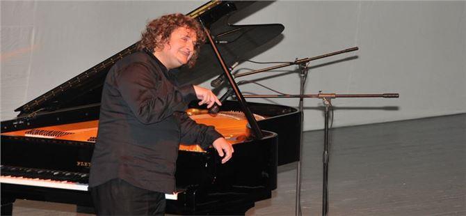 Dünyaca Ünlü Piyanist Tarsus'ta Sanat Severlerle Buluştu