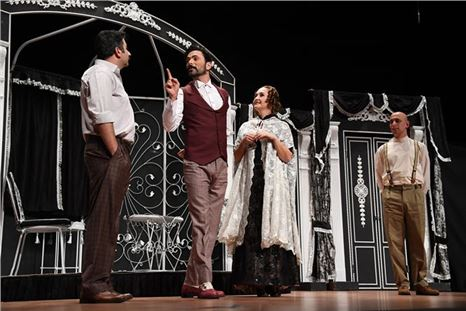 Adana Büyükşehir Tiyatrosu Mersin'de