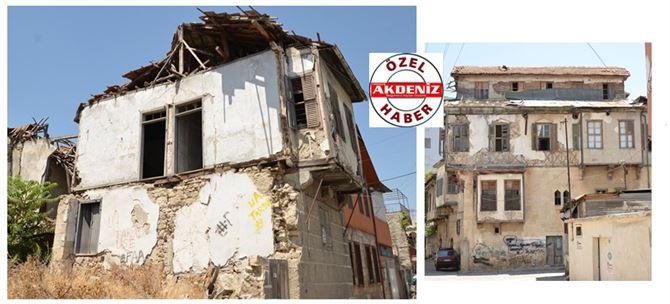 Tarsus'ta Tarihi Evler Bakımsızlıktan Yıkılıyor