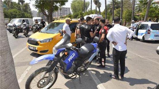Yunus Polisleri Kaza Yaptı: 2 Yaralı