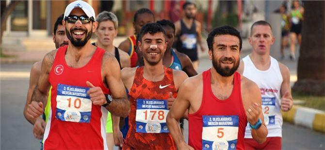 Mersin maratonu binlerce kişinin katılımıyla koşuldu