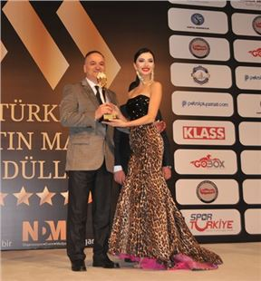 'Yılın Tıp Adamı' ödülü Op. Dr. Erdal Cücük'e