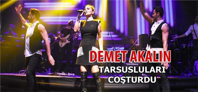 Demet Akalın, Tarsus'ta sahne aldı