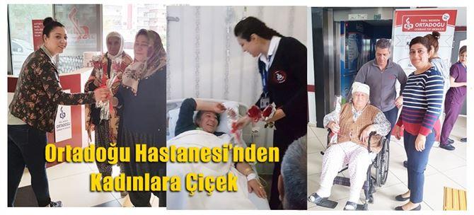 Ortadoğu Hastanesi'nden Kadınlara Çiçek