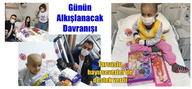 Onkoloji'deki çocuk hastaları oyuncaklarla sevindirdiler