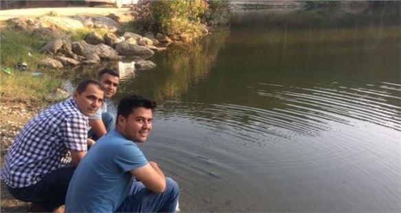 Tarsus'ta Göletlere 10 Bin Adet Yavru Sazan Balığı Bırakıldı