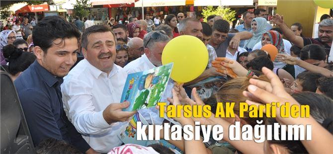 Tarsus AK Parti, öğrencilere kırtasiye malzemesi dağıttı