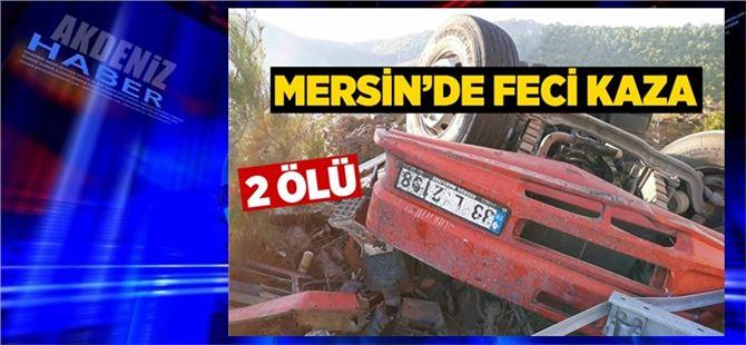 Mersin'de asit yüklü kamyon devrildi: 2 ölü