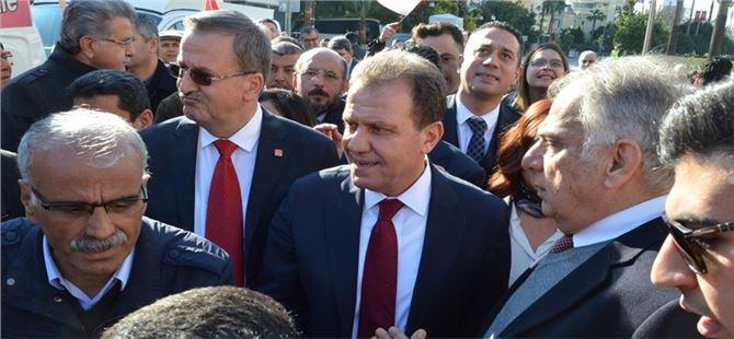 CHP'nin Büyükşehir adayı Vahap Seçer'e Partililerden yoğun ilgi