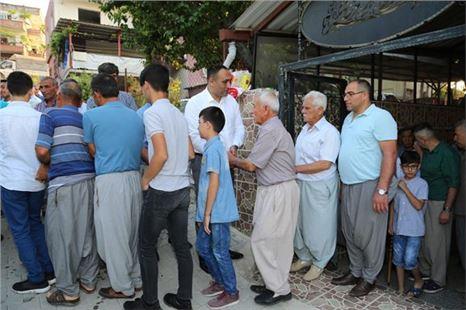 Başkan Yılmaz Ramazan Bayramı münasebetiyle vatandaşlar ile bayramlaştı