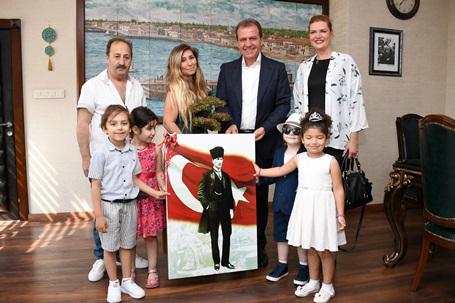 Başkan Seçer'e Miniklerden Babalar Günü Ziyareti
