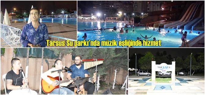 Aileler canlı müzik eşliğinde havuzda doyasıya eğlendi