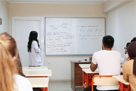 Gençler Üniversiteye Büyükşehir'le Hazırlanıyor