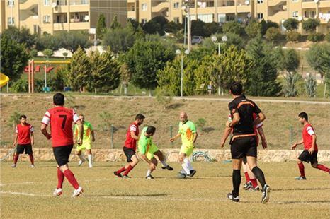 Toroslar'da kurumlararası futbol turnuvası heyecanı