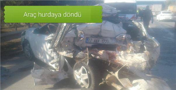 Mersin Tarsus TEM'de tır, otomobile çarptı: 1 ölü, 2 ağır yaralı