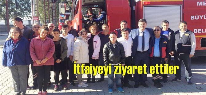 Özel eğitim öğrencileri, Tarsus İtfaiye Grup Amirliği'ni ziyaret etti