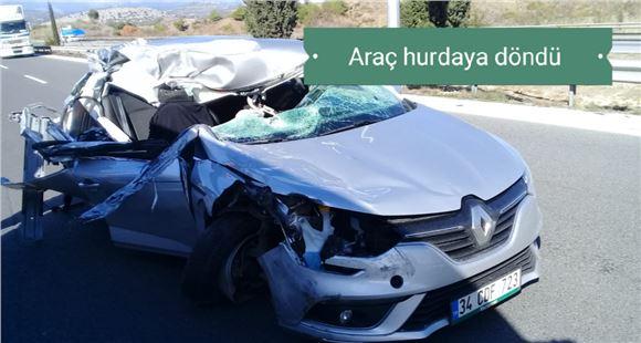 Tarsus TEM'de otomobil arkadan tır'a çarptı: 1 ölü, 3 yaralı