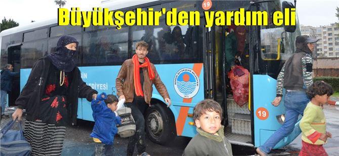 Tarsus'ta çadırda yaşayan tarım işçileri yağış nedeniyle tahliye edildi
