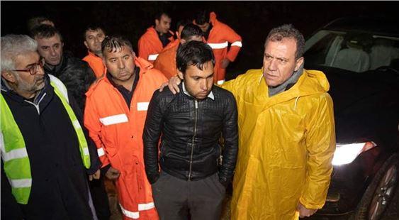Başkan Seçer, selde sahada bizzat çalışmaları koordine etti