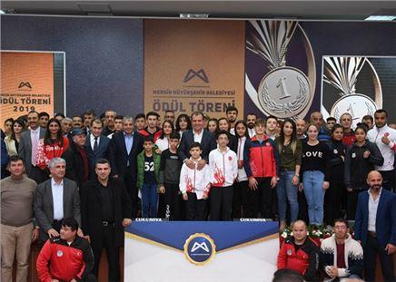 Büyükşehir'den Amatör Spor Kulüplerine 823 Bin Tl Değerinde Yardım