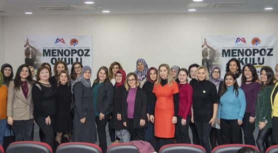Menopoz Okulu'yla Kadınlar Daha Bilinçli Olacak