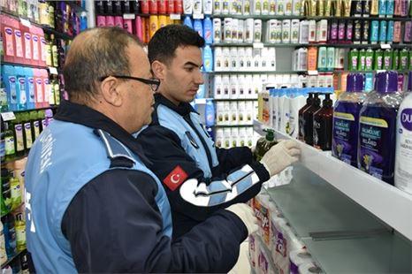 Tarsus Zabıta ekiplerinden, kozmetik ürün satışı yapan işletmelere denetim