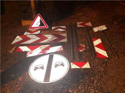 Tarsus'ta yön ve işaret levhalarını çalan 2 kişi yakalandı