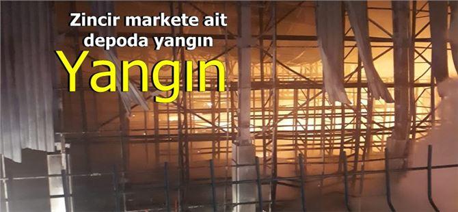 Mersin-Tarsus OSB'de zincir marketin deposu yandı