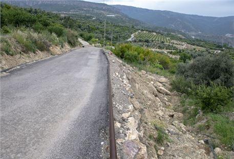 Silifke'de Çöken Yol Hasat Öncesi Onarıldı