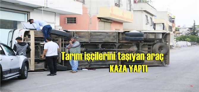 Adana'da tarım işçilerini taşıyan araç kaza yaptı: 12 yaralı