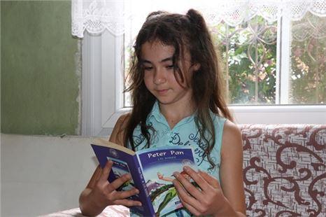 Büyükşehir'den Kitap Aşığı Fatma Gülşen'e Hediye