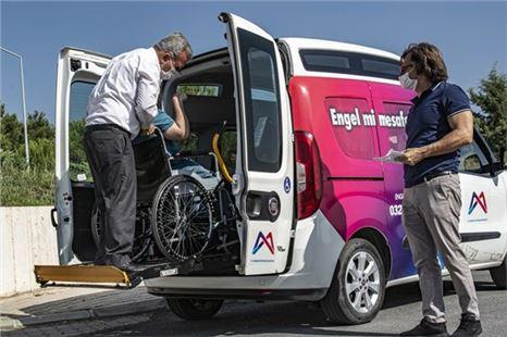 Büyükşehir, engelli transfer aracı ile bu kez hayalleri taşıdı