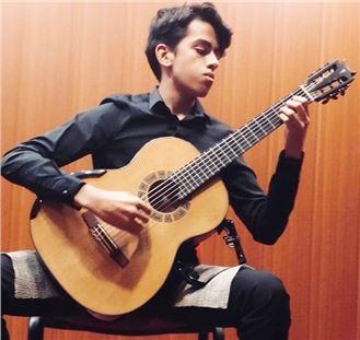 Liseli Gitarist Barkan, Dünyadaki 20 Finalist Arasında