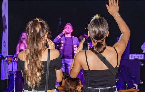 """Büyükşehir'den """"Sandalyeni Kap Gel"""" Konserleri"""